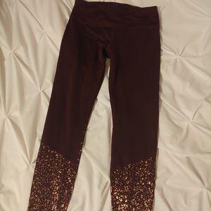 APANA leggings. Maroon with rose gold detailing.